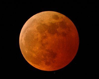 Eclisse di Luna del 15 giugno 2011