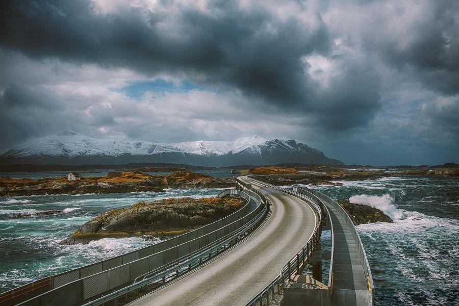atlantic road: nuvole